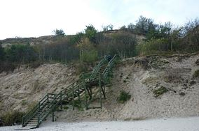 """14 - Chłapowo [Wejścia na plażę]<br><a href=""""?s=nadmorskie-poi&o=we&id_kat=13&id_m=20&id=1212"""">pokaż szczegóły punktu...</a>"""
