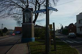 """Kapliczka - Władysławowo [Krzyże i kapliczki]<br><a href=""""?s=nadmorskie-poi&o=we&id_kat=105&id_m=235&id=3975"""">pokaż szczegóły punktu...</a>"""