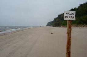 """Łukęcin - Łukęcin [Nagie plaże]<br><a href=""""?s=nadmorskie-poi&o=we&id_kat=35&id_m=109&id=978"""">pokaż szczegóły punktu...</a>"""