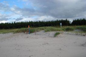 """48 - Słajszewo [Wejścia na plażę]<br><a href=""""?s=nadmorskie-poi&o=we&id_kat=13&id_m=179&id=186"""">pokaż szczegóły punktu...</a>"""