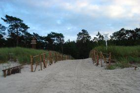 """38 - Lubiatowo [Wejścia na plażę]<br><a href=""""?s=nadmorskie-poi&o=we&id_kat=13&id_m=100&id=1221"""">pokaż szczegóły punktu...</a>"""