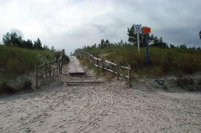 """32 - Białogóra [Wejścia na plażę]<br><a href=""""?s=nadmorskie-poi&o=we&id_kat=13&id_m=9&id=199"""">pokaż szczegóły punktu...</a>"""