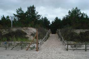 """22 - Dębki [Wejścia na plażę]<br><a href=""""?s=nadmorskie-poi&o=we&id_kat=13&id_m=28&id=211"""">pokaż szczegóły punktu...</a>"""
