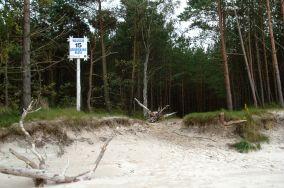 """15 - Karwieńskie Błota [Wejścia na plażę]<br><a href=""""?s=nadmorskie-poi&o=we&id_kat=13&id_m=78&id=1246"""">pokaż szczegóły punktu...</a>"""