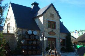 """Dom Whisky - Jastrzębia Góra [Inne]<br><a href=""""?s=nadmorskie-poi&o=we&id_kat=15&id_m=61&id=3914"""">pokaż szczegóły punktu...</a>"""