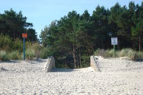 """2 - Chałupy [Wejścia na plażę]<br><a href=""""?s=nadmorskie-poi&o=we&id_kat=13&id_m=18&id=260"""">pokaż szczegóły punktu...</a>"""