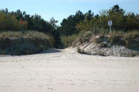 """11 - Chałupy [Wejścia na plażę]<br><a href=""""?s=nadmorskie-poi&o=we&id_kat=13&id_m=18&id=270"""">pokaż szczegóły punktu...</a>"""