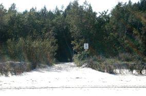 """28 - Kuźnica [Wejścia na plażę]<br><a href=""""?s=nadmorskie-poi&o=we&id_kat=13&id_m=96&id=287"""">pokaż szczegóły punktu...</a>"""