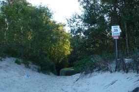 """39 - Jastarnia [Wejścia na plażę]<br><a href=""""?s=nadmorskie-poi&o=we&id_kat=13&id_m=60&id=299"""">pokaż szczegóły punktu...</a>"""