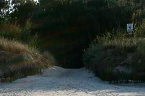 """45 - Jastarnia [Wejścia na plażę]<br><a href=""""?s=nadmorskie-poi&o=we&id_kat=13&id_m=60&id=305"""">pokaż szczegóły punktu...</a>"""