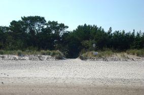 """63 - Jurata [Wejścia na plażę]<br><a href=""""?s=nadmorskie-poi&o=we&id_kat=13&id_m=66&id=323"""">pokaż szczegóły punktu...</a>"""