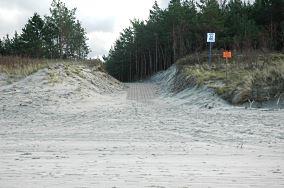 """21 - Krynica Morska [Wejścia na plażę]<br><a href=""""?s=nadmorskie-poi&o=we&id_kat=13&id_m=91&id=333"""">pokaż szczegóły punktu...</a>"""