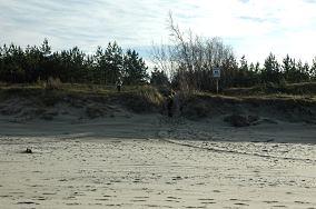 """20 - Krynica Morska [Wejścia na plażę]<br><a href=""""?s=nadmorskie-poi&o=we&id_kat=13&id_m=91&id=334"""">pokaż szczegóły punktu...</a>"""