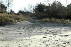 """19 - Krynica Morska [Wejścia na plażę]<br><a href=""""?s=nadmorskie-poi&o=we&id_kat=13&id_m=91&id=335"""">pokaż szczegóły punktu...</a>"""