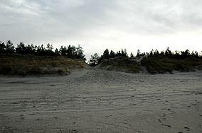 """14 - Piaski [Wejścia na plażę]<br><a href=""""?s=nadmorskie-poi&o=we&id_kat=13&id_m=139&id=340"""">pokaż szczegóły punktu...</a>"""