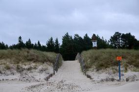 """34 - Białogóra [Wejścia na plażę]<br><a href=""""?s=nadmorskie-poi&o=we&id_kat=13&id_m=9&id=1198"""">pokaż szczegóły punktu...</a>"""