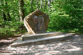"""Pomnik rosyjskich lotników - Rozewie [Pomniki]<br><a href=""""?s=nadmorskie-poi&o=we&id_kat=46&id_m=165&id=3712"""">pokaż szczegóły punktu...</a>"""