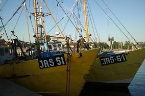 """JAS - Jastarnia [Przystanie i porty rybackie]<br><a href=""""?s=nadmorskie-poi&o=we&id_kat=36&id_m=60&id=725"""">pokaż szczegóły punktu...</a>"""