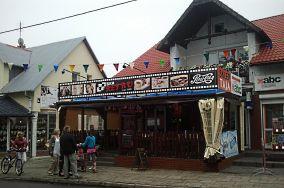 """Bar Retro - ul. Nadmorska 6 - Jarosławiec [Restauracje i bary]<br><a href=""""?s=nadmorskie-poi&o=we&id_kat=5&id_m=59&id=2524"""">pokaż szczegóły punktu...</a>"""