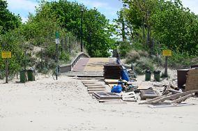 """F - Międzyzdroje [Wejścia na plażę]<br><a href=""""?s=nadmorskie-poi&o=we&id_kat=13&id_m=116&id=121"""">pokaż szczegóły punktu...</a>"""