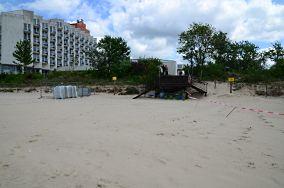 """C - Międzyzdroje [Wejścia na plażę]<br><a href=""""?s=nadmorskie-poi&o=we&id_kat=13&id_m=116&id=122"""">pokaż szczegóły punktu...</a>"""
