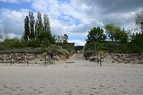 """412.3 km - Międzyzdroje [Wejścia na plażę]<br><a href=""""?s=nadmorskie-poi&o=we&id_kat=13&id_m=116&id=3723"""">pokaż szczegóły punktu...</a>"""