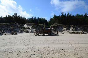 """397.4 km Camping Tramp - Świętouść [Wejścia na plażę]<br><a href=""""?s=nadmorskie-poi&o=we&id_kat=13&id_m=259&id=1417"""">pokaż szczegóły punktu...</a>"""