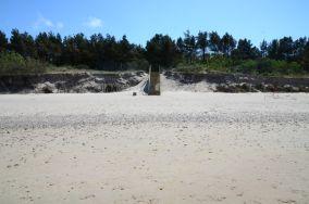 """386.4 km - Dziwnówek [Wejścia na plażę]<br><a href=""""?s=nadmorskie-poi&o=we&id_kat=13&id_m=30&id=1398"""">pokaż szczegóły punktu...</a>"""