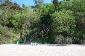 """42 - Pobierowo [Wejścia na plażę]<br><a href=""""?s=nadmorskie-poi&o=we&id_kat=13&id_m=145&id=154"""">pokaż szczegóły punktu...</a>"""