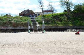 """17 - Niechorze [Wejścia na plażę]<br><a href=""""?s=nadmorskie-poi&o=we&id_kat=13&id_m=123&id=1363"""">pokaż szczegóły punktu...</a>"""
