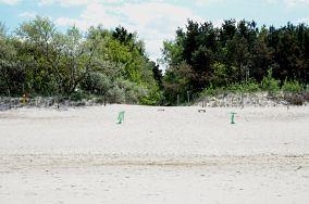 """9 - Niechorze [Wejścia na plażę]<br><a href=""""?s=nadmorskie-poi&o=we&id_kat=13&id_m=123&id=1356"""">pokaż szczegóły punktu...</a>"""