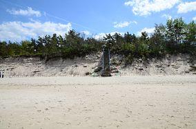 """365.0 km - Pogorzelica [Wejścia na plażę]<br><a href=""""?s=nadmorskie-poi&o=we&id_kat=13&id_m=147&id=1350"""">pokaż szczegóły punktu...</a>"""