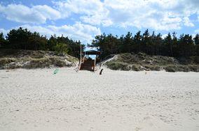 """4 - Pogorzelica [Wejścia na plażę]<br><a href=""""?s=nadmorskie-poi&o=we&id_kat=13&id_m=147&id=3832"""">pokaż szczegóły punktu...</a>"""