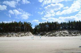 """1 - Pogorzelica [Wejścia na plażę]<br><a href=""""?s=nadmorskie-poi&o=we&id_kat=13&id_m=147&id=3833"""">pokaż szczegóły punktu...</a>"""