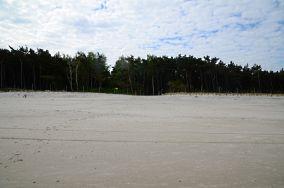 """350.7 km - Mrzeżyno [Wejścia na plażę]<br><a href=""""?s=nadmorskie-poi&o=we&id_kat=13&id_m=120&id=1336"""">pokaż szczegóły punktu...</a>"""