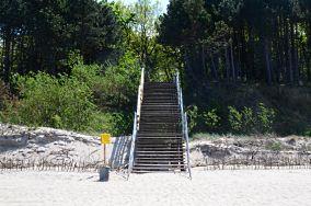 """15 - Ustronie Morskie [Wejścia na plażę]<br><a href=""""?s=nadmorskie-poi&o=we&id_kat=13&id_m=218&id=3862"""">pokaż szczegóły punktu...</a>"""