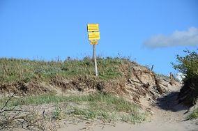 """Urząd Morski - Dąbkowice [Wejścia na plażę]<br><a href=""""?s=nadmorskie-poi&o=we&id_kat=13&id_m=27&id=2537"""">pokaż szczegóły punktu...</a>"""