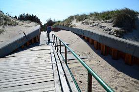 """4 (W) - Darłowo [Wejścia na plażę]<br><a href=""""?s=nadmorskie-poi&o=we&id_kat=13&id_m=25&id=2452"""">pokaż szczegóły punktu...</a>"""