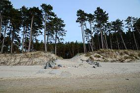 """8 - Rusinowo [Wejścia na plażę]<br><a href=""""?s=nadmorskie-poi&o=we&id_kat=13&id_m=166&id=1127"""">pokaż szczegóły punktu...</a>"""
