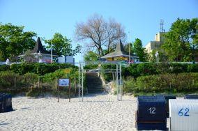 """6 - Ustka [Wejścia na plażę]<br><a href=""""?s=nadmorskie-poi&o=we&id_kat=13&id_m=217&id=3895"""">pokaż szczegóły punktu...</a>"""