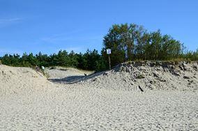 """3 - Piaski [Wejścia na plażę]<br><a href=""""?s=nadmorskie-poi&o=we&id_kat=13&id_m=139&id=2173"""">pokaż szczegóły punktu...</a>"""
