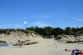 """6 - Piaski [Wejścia na plażę]<br><a href=""""?s=nadmorskie-poi&o=we&id_kat=13&id_m=139&id=2170"""">pokaż szczegóły punktu...</a>"""