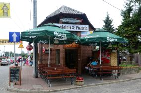 """Smażalnia & Pizzeria Pasat - ul. Abrahama 1 - Łeba [Restauracje i bary]<br><a href=""""?s=nadmorskie-poi&o=we&id_kat=5&id_m=107&id=2528"""">pokaż szczegóły punktu...</a>"""