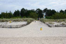 """183.xxx km - Łeba [Wejścia na plażę]<br><a href=""""?s=nadmorskie-poi&o=we&id_kat=13&id_m=107&id=3800"""">pokaż szczegóły punktu...</a>"""