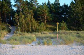 """179.9 km - Łeba [Wejścia na plażę]<br><a href=""""?s=nadmorskie-poi&o=we&id_kat=13&id_m=107&id=3807"""">pokaż szczegóły punktu...</a>"""