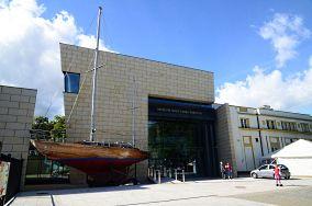 """Muzeum Marynarki Wojennej - ul. Zawiszy Czarnego 1B - Gdynia [Muzea i zabytki]<br><a href=""""?s=nadmorskie-poi&o=we&id_kat=3&id_m=37&id=2299"""">pokaż szczegóły punktu...</a>"""