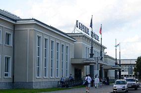 """Dworzec kolejowy Gdynia Główna - Gdynia [Przechowalnie bagażu]<br><a href=""""?s=nadmorskie-poi&o=we&id_kat=69&id_m=37&id=2385"""">pokaż szczegóły punktu...</a>"""