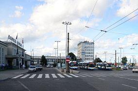 """Gdynia Dworzec Gł. PKP - Gdynia [Komunikacja miejska]<br><a href=""""?s=nadmorskie-poi&o=we&id_kat=79&id_m=37&id=3092"""">pokaż szczegóły punktu...</a>"""