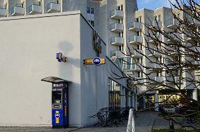 """Euronet (Amber Baltic) - ul. Promenada Gwiazd 1 - Międzyzdroje [Bankomaty i kantory]<br><a href=""""?s=nadmorskie-poi&o=we&id_kat=9&id_m=116&id=933"""">pokaż szczegóły punktu...</a>"""