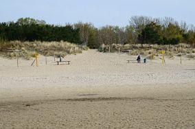 """J, 1, 424.7 km - Świnoujście [Wejścia na plażę]<br><a href=""""?s=nadmorskie-poi&o=we&id_kat=13&id_m=205&id=782"""">pokaż szczegóły punktu...</a>"""